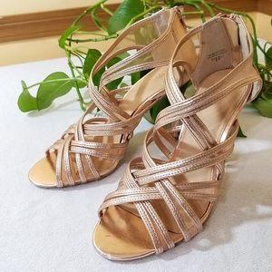 Fioni Dressy Sandals, sz 6.5M, Shiny Salmon Color